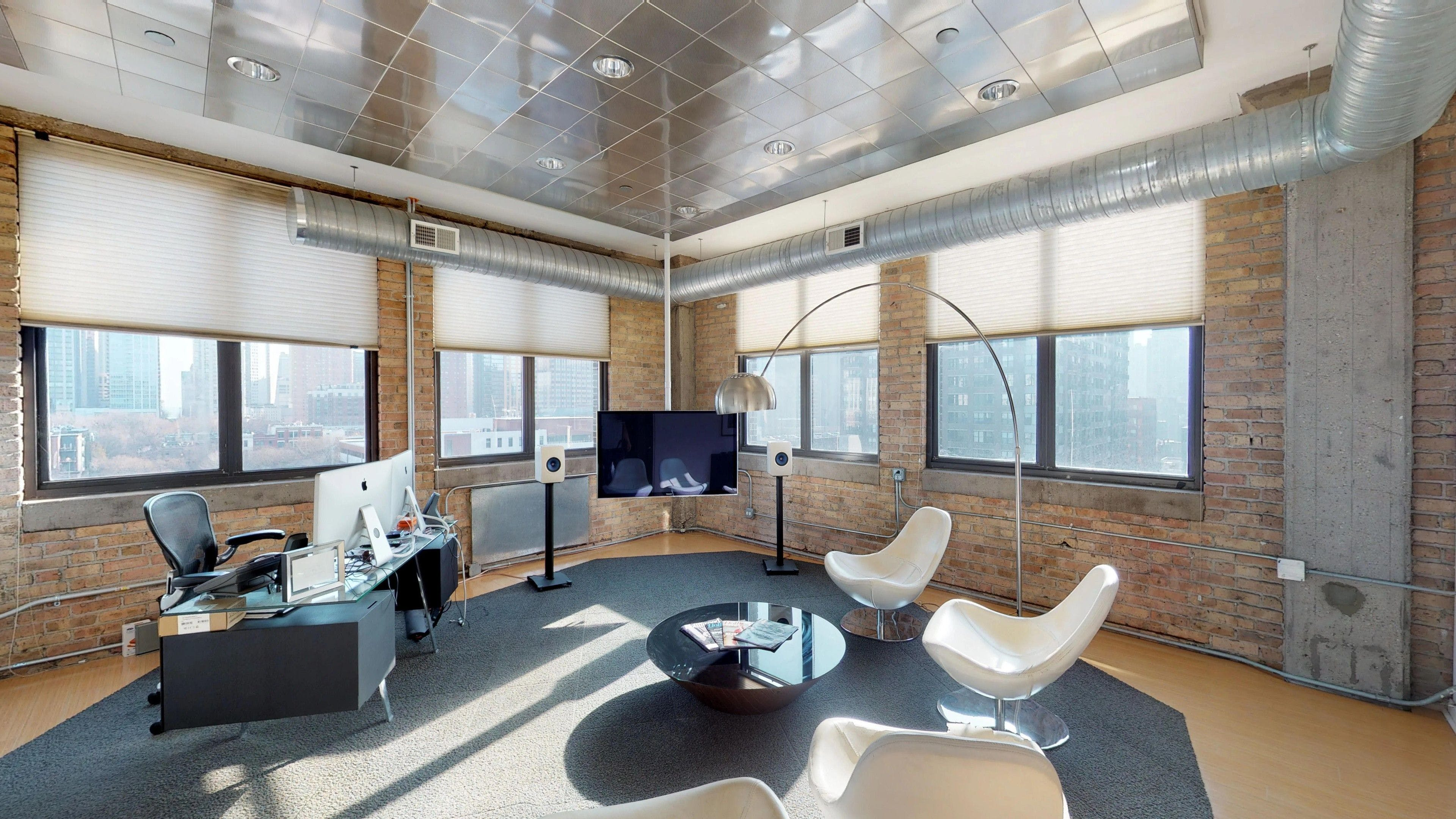 Lofted River North office space - Truss
