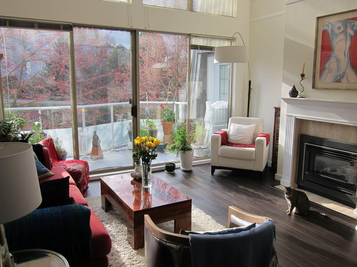 Stylish furnished lounge