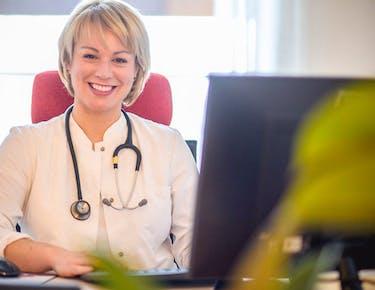 Dr. Eva Reinhard