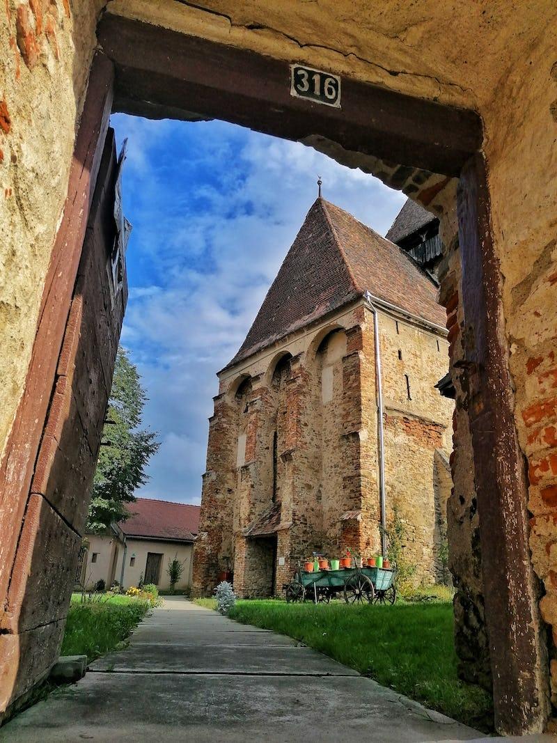 Poarta de intrarea în cetatea Axente Sever
