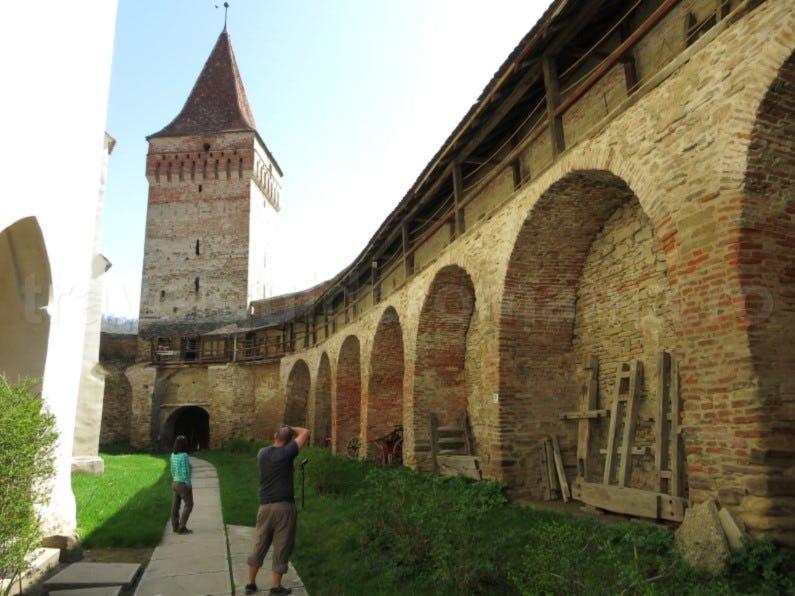 Biserica fortificată din Moșna