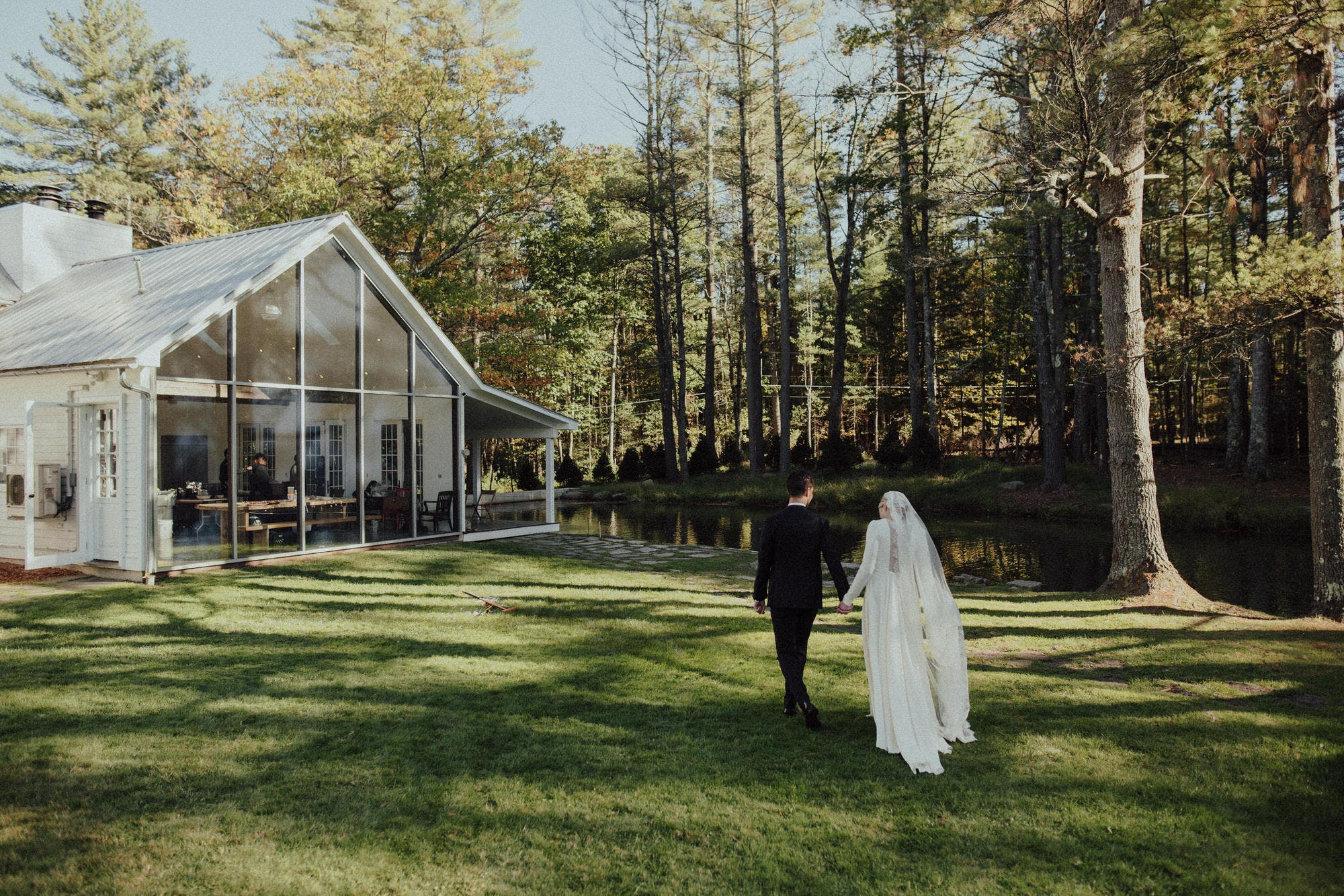floating farmhouse venue in catskills