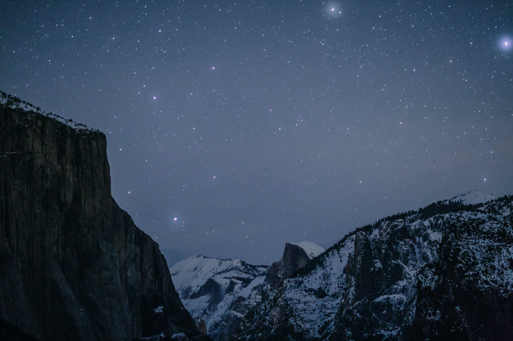 amazing star picture at night in yosemite