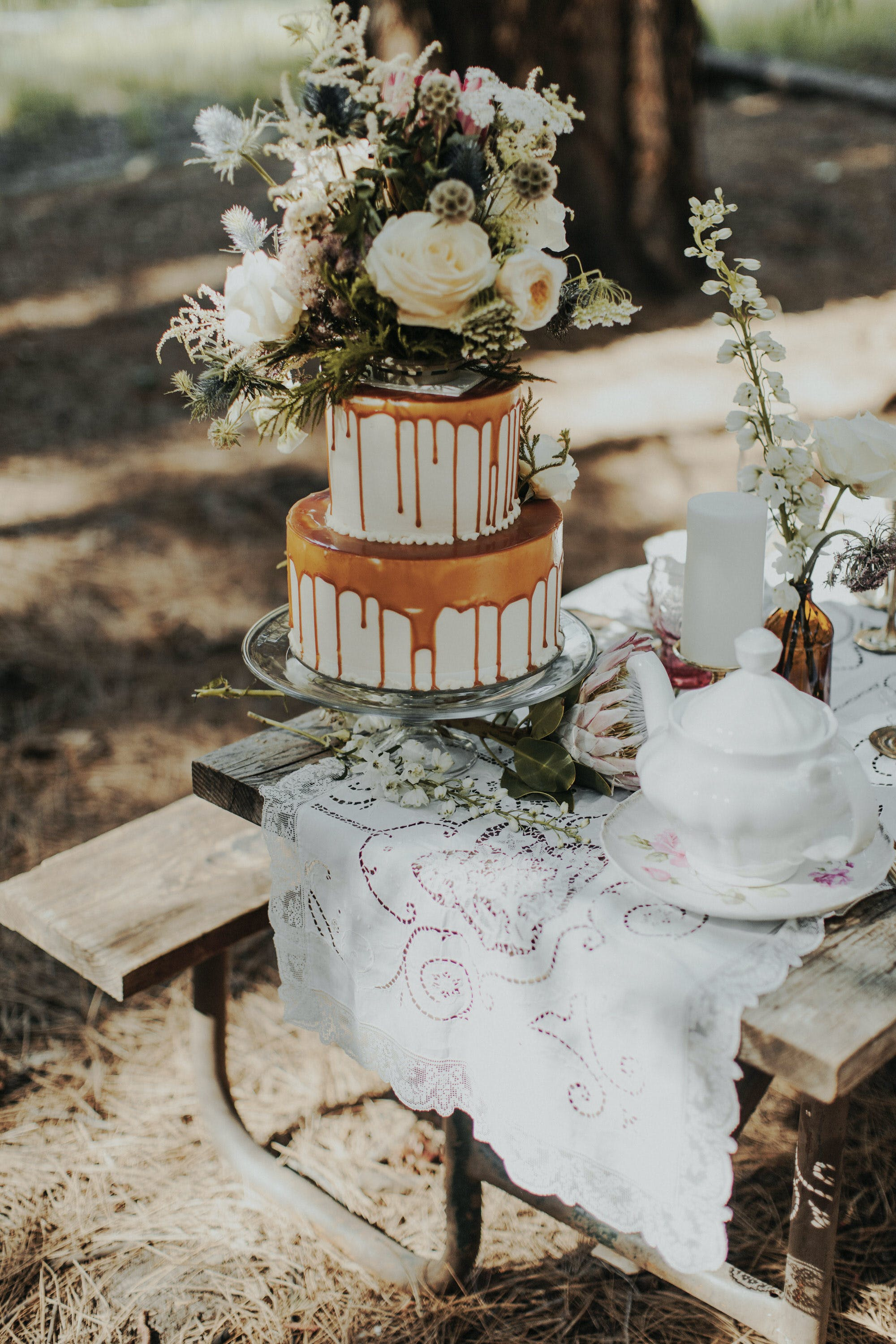 wedding cake details for elopement in yosemite