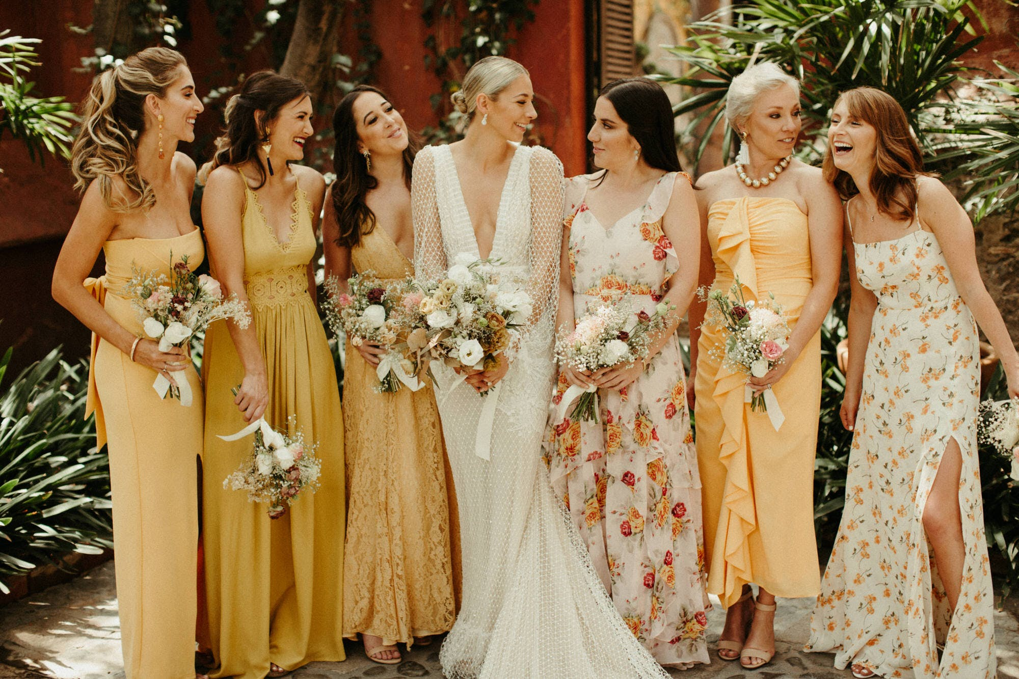 candid shots of bridal party