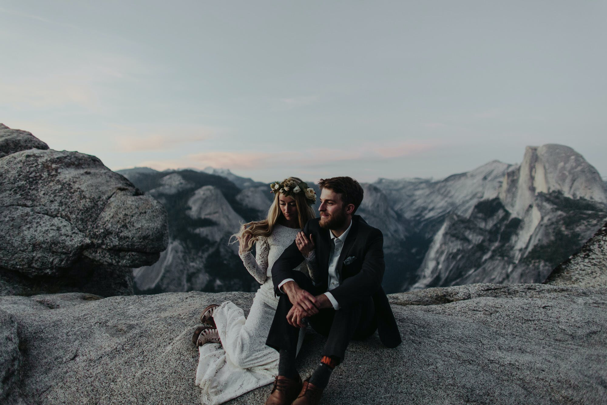 photographer specializing in elopements around yosemite