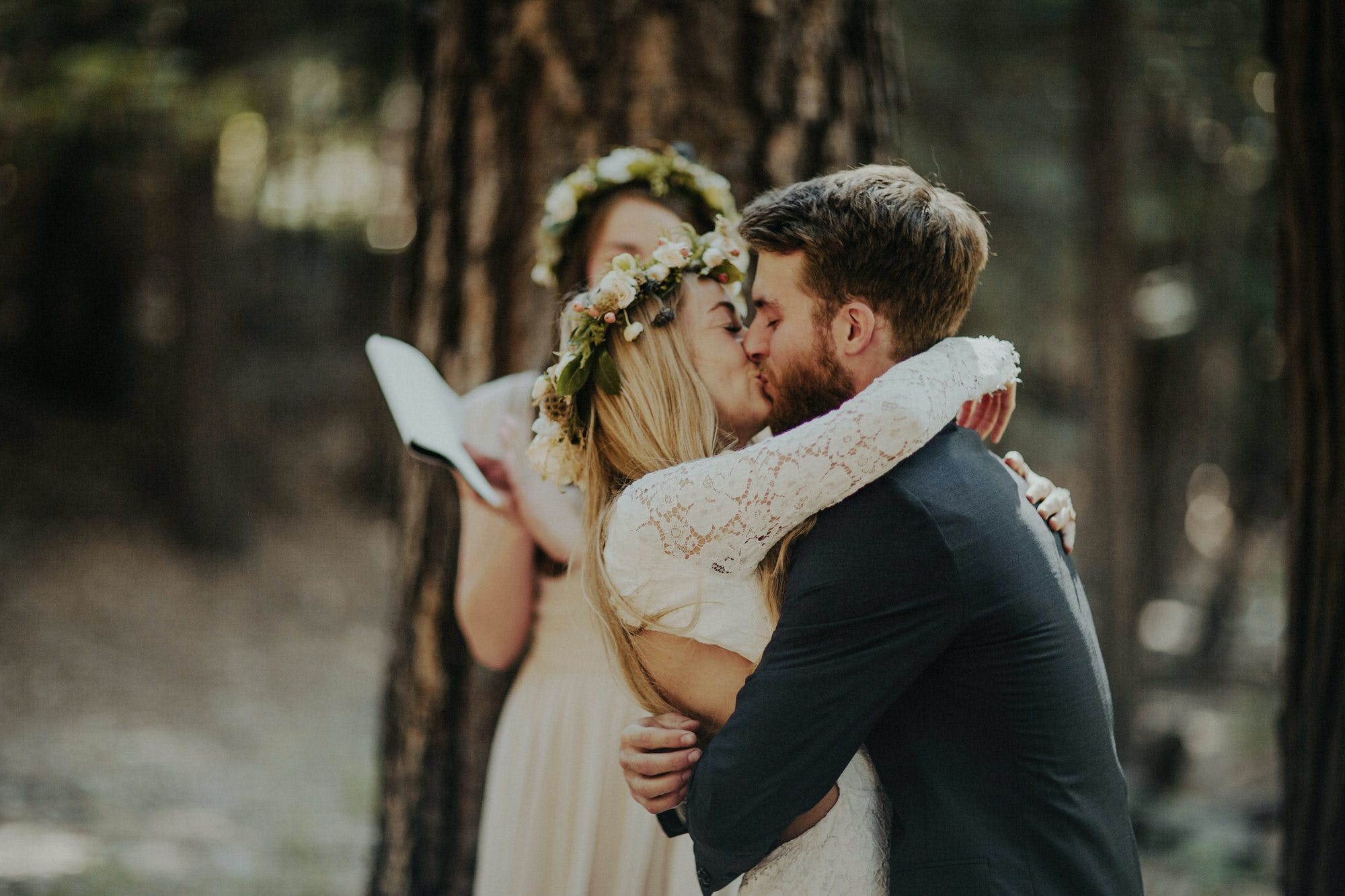 first kiss at elopement in yosemite