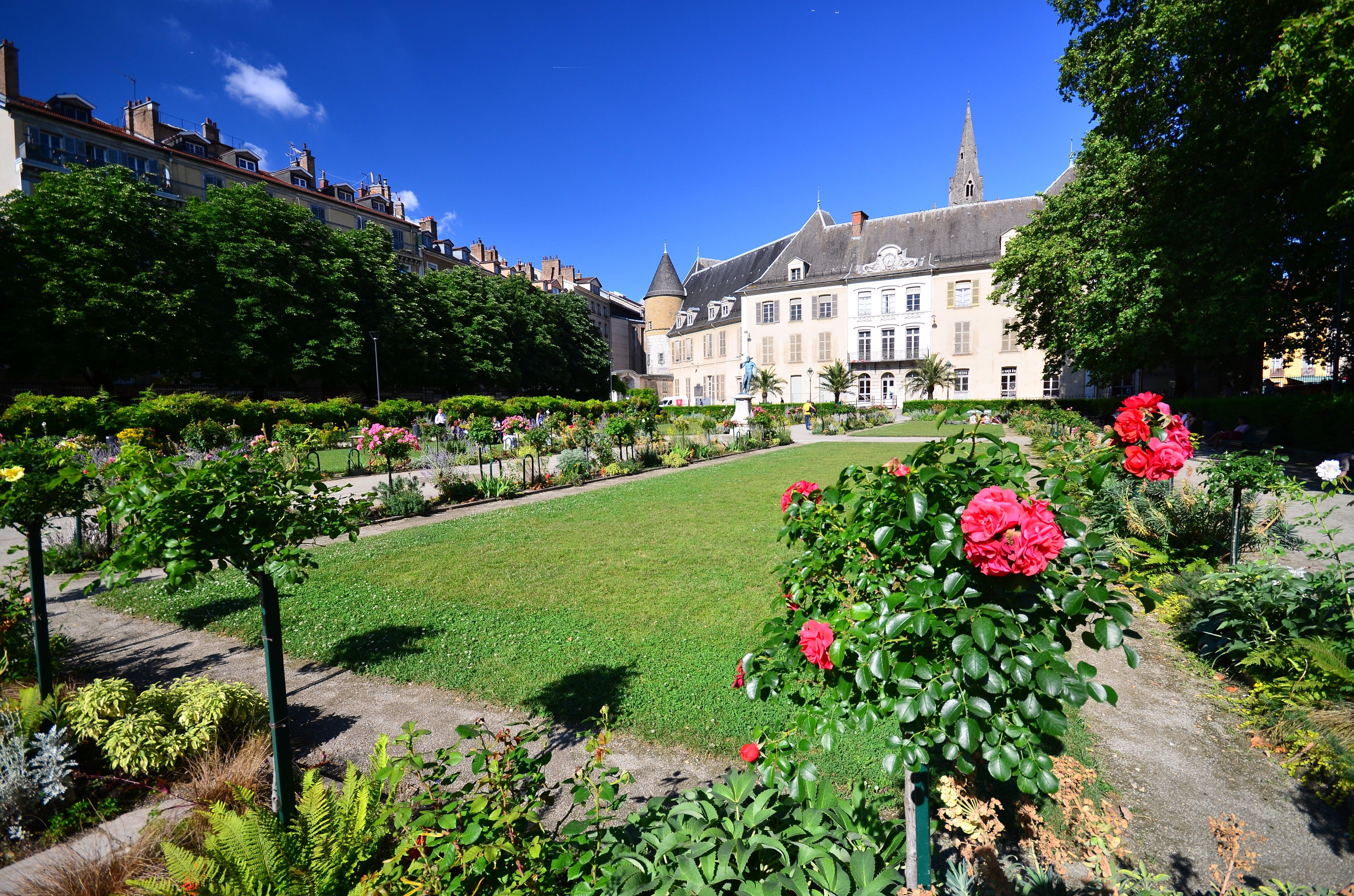 Jardin de ville shooting photo, shooting photo mariage, photographe mariage, photographe Grenoble, shooting photo Grenoble