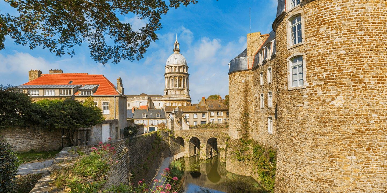 Une vue de Boulogne-sur-Mer et sa basilique