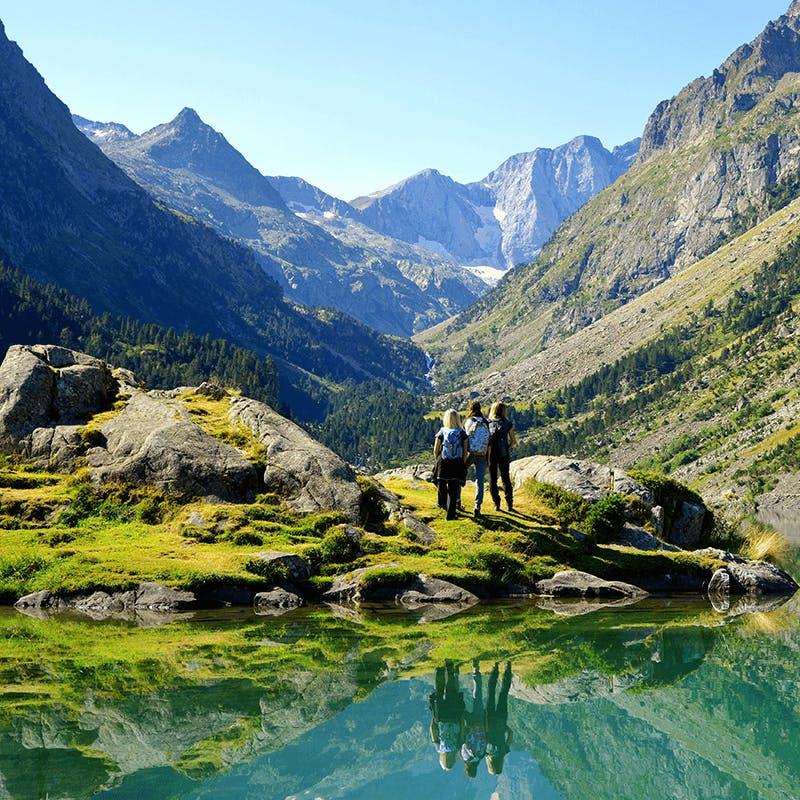 La vue du lac de Gaube dans le Midi-Pyrénées