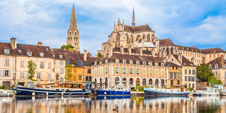 La vue d'Auxerre, ville incontournable de l'Yonne
