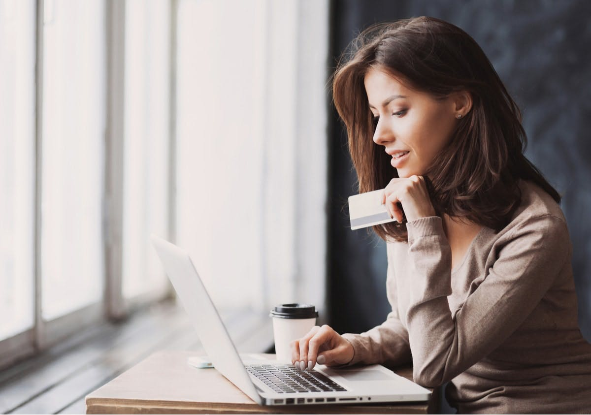 Betala kreditkortsräkning med kreditkort