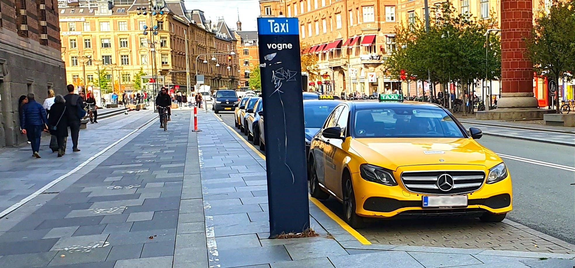 Eltaxaer kan se frem til fordelagtige pladser på populære opsamlingssteder i København. Foto: August Merved