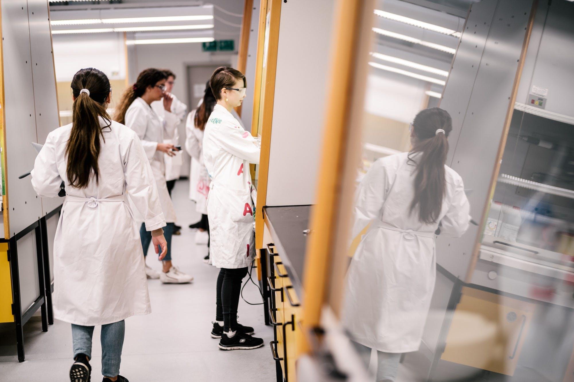 Selvom en del naturvidenskabelig forskning er meget energitung, skærer Københavns Universitet i emissionerne. Foto: Københavns Universitet