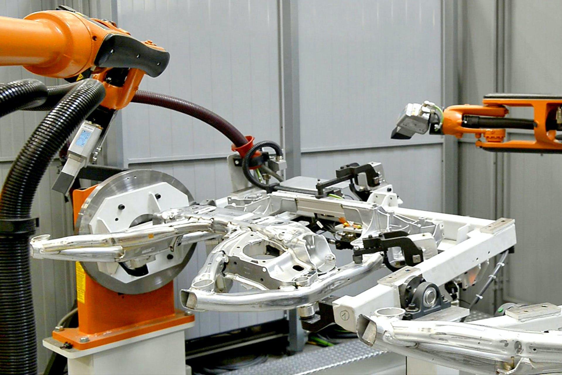 Roboterarme bei der Automotive-Produktion