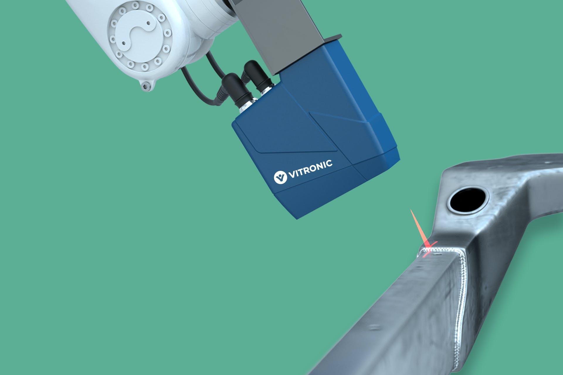 Ein Auto-ID-System von VITRONIC überprüft die Schweißnähte eines Achsbauteils.