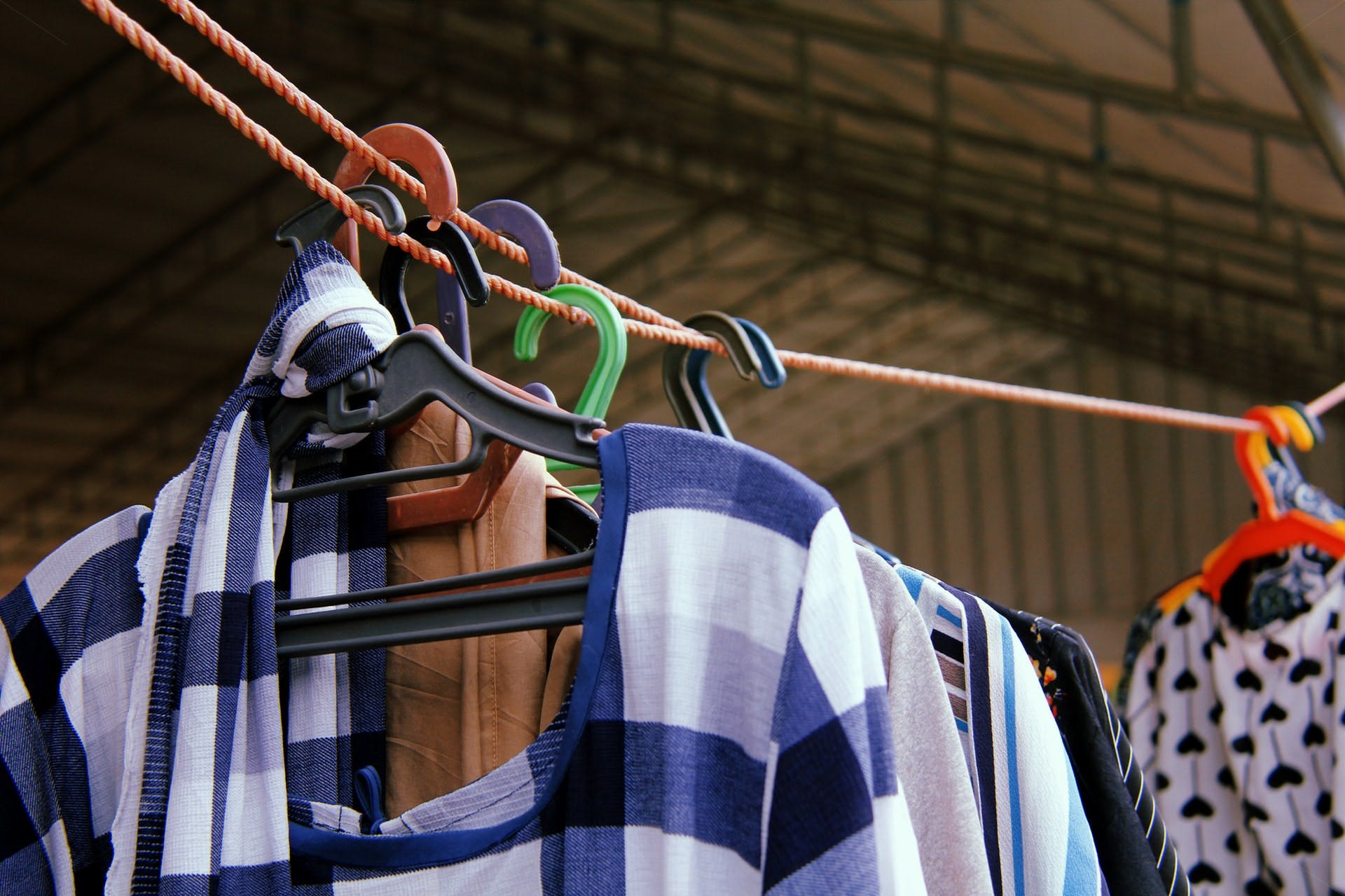 compravendita o conto vendita abbigliamento vintage