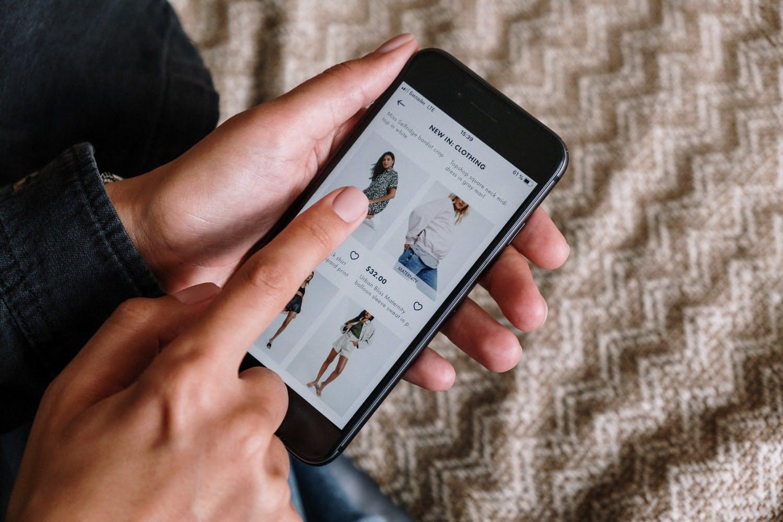 utilizzare facebook instagram shopping e email marketing per vendere online durante il black friday 2020