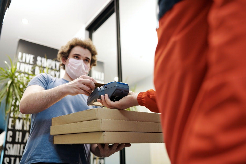 come spedire e consegnare a domicilio cibo online