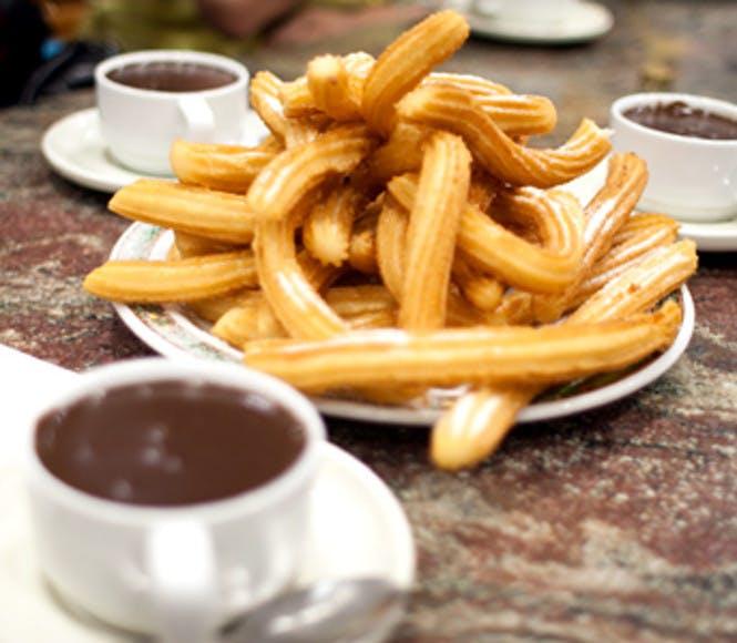 <p>Churros con chocolate</p> -  Costa del Sol