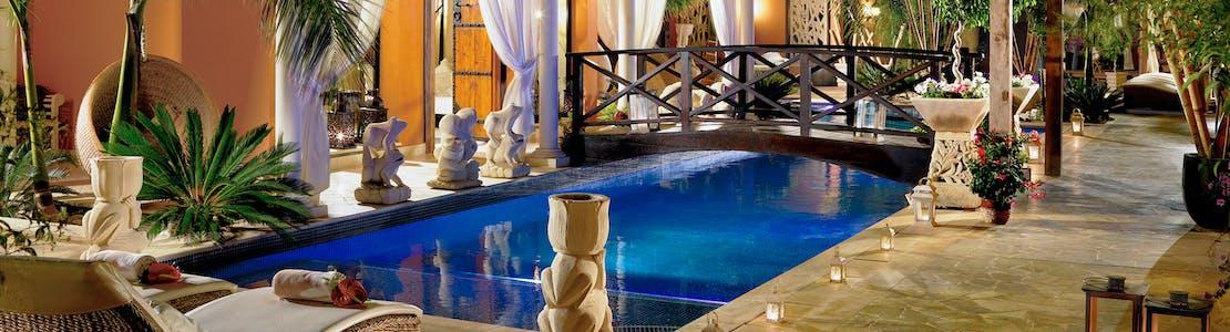 Main-Pool-Royal-Garden