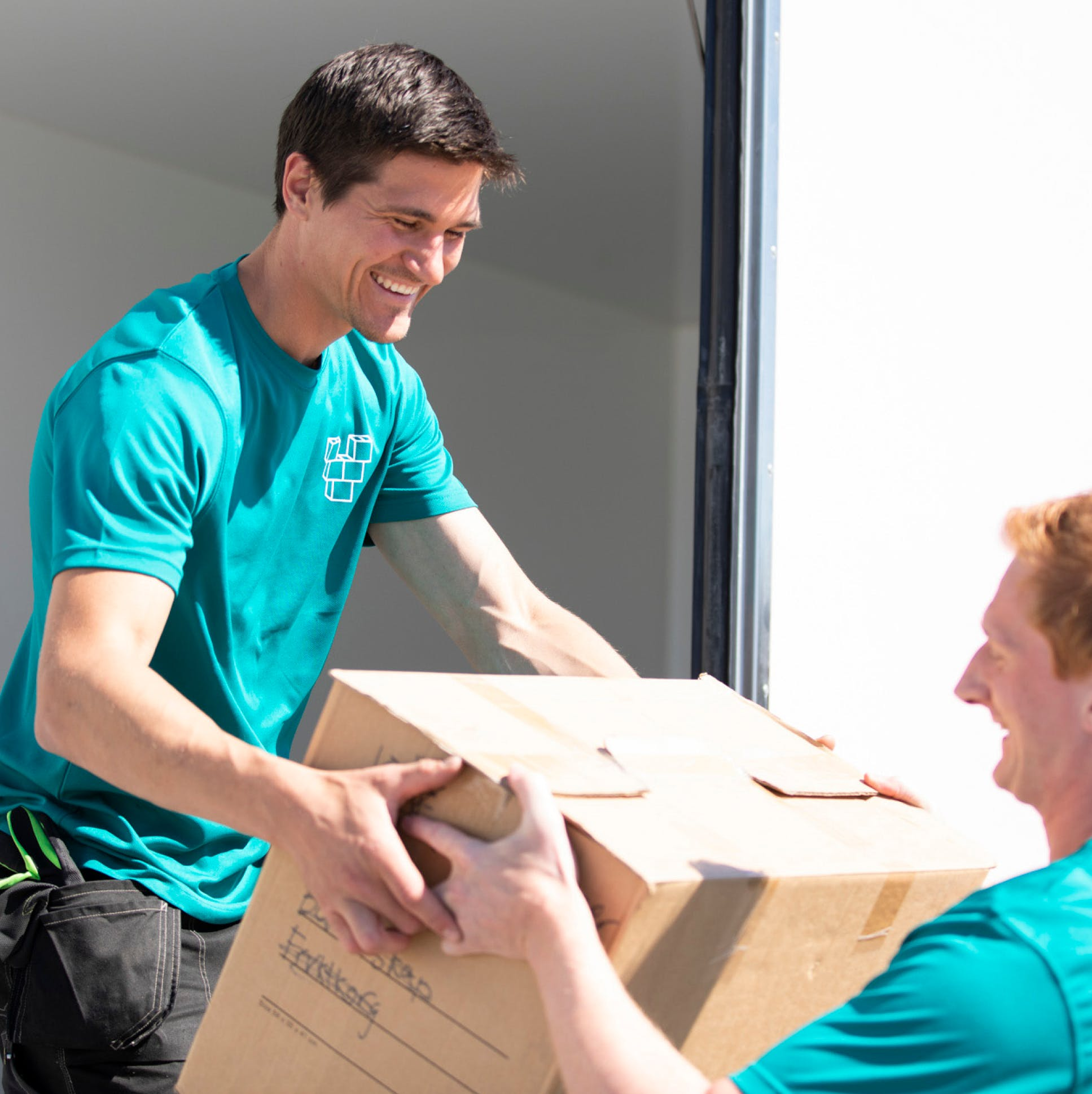 Vinden personal unloading