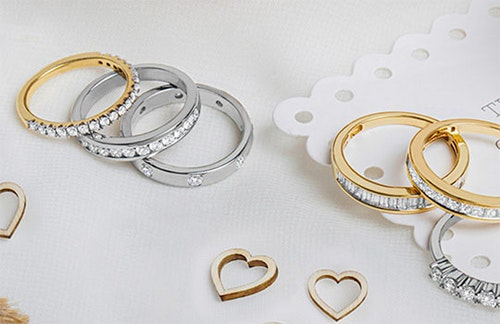 How the Jewellery Channel manages missed installment payments