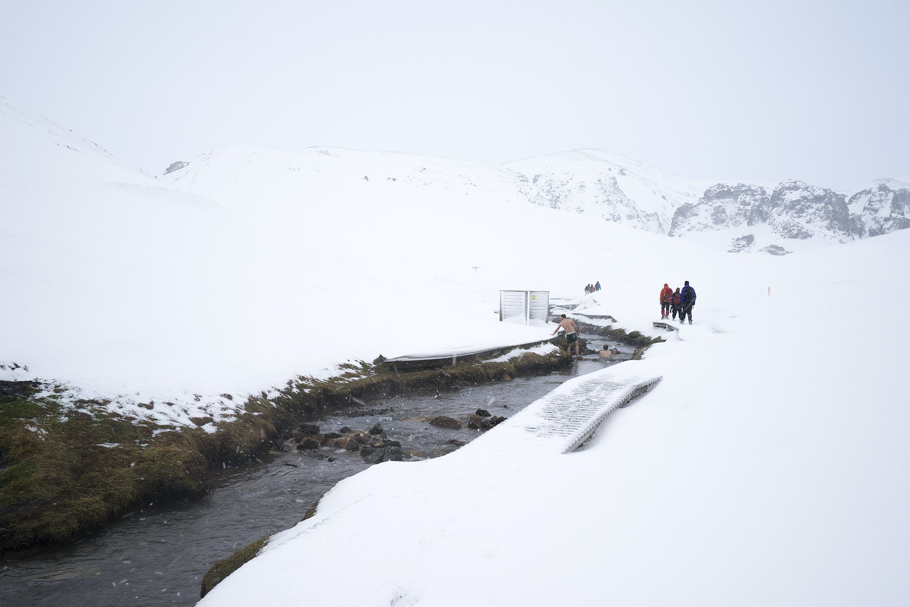 The Reykjadalur are about an hour hike up the valley, starting at a parking lot on the outskirts of Hveragerði.