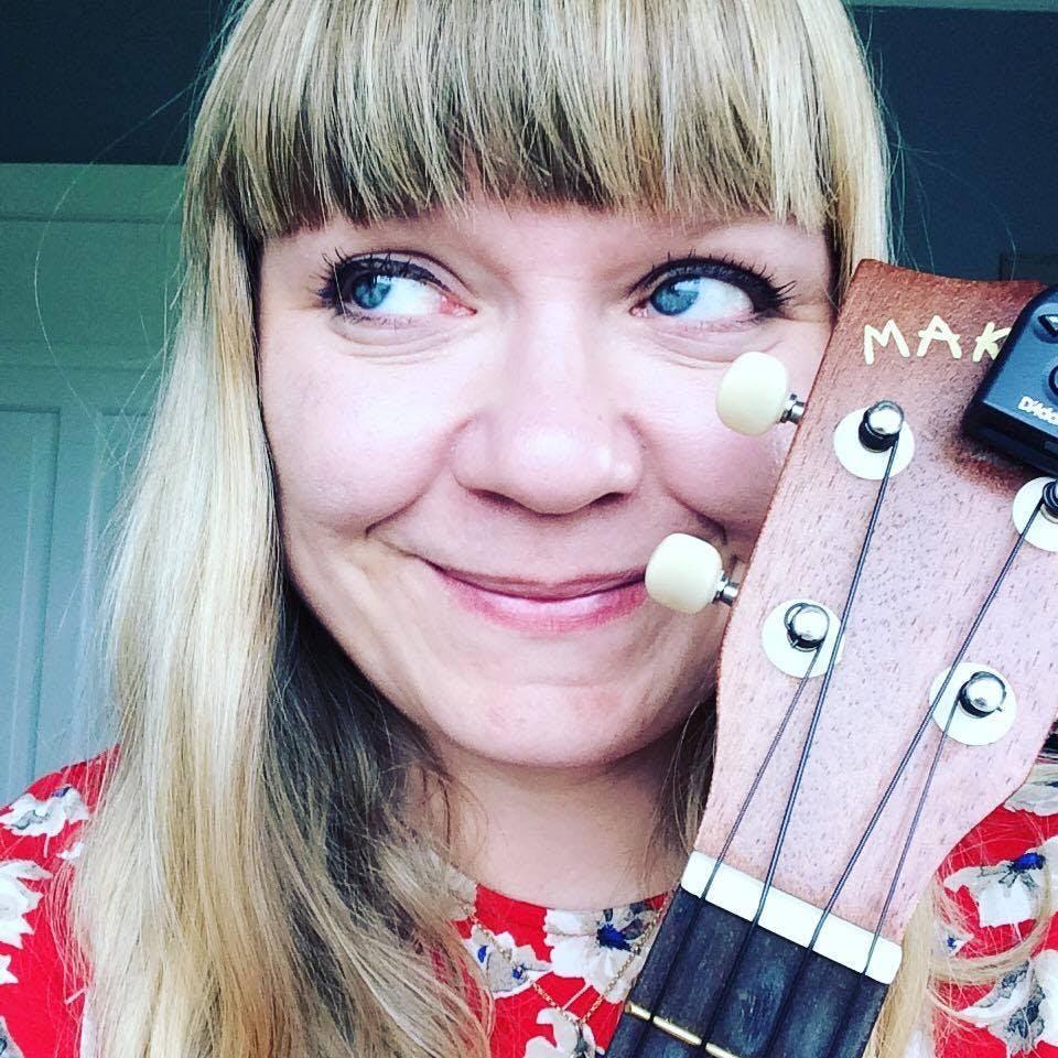 The Icelandic musician Eliza Newman who lives close to Fagradalsfjall volcano.