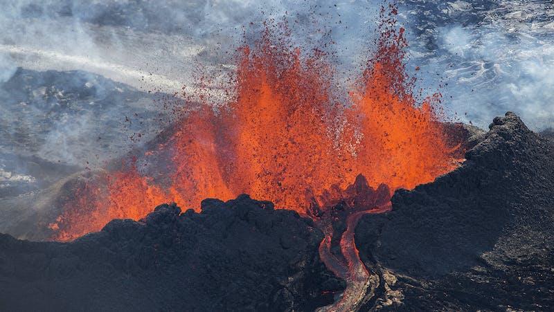 Volcanic eruption in Eyjafjallajökull in 2010