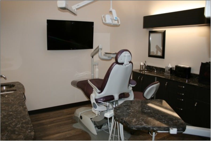 Cowgill Dental Downtown Belle Square