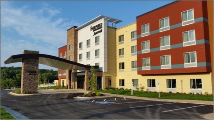 Fairfield Inn & Suites - Decorah IA - Exterior