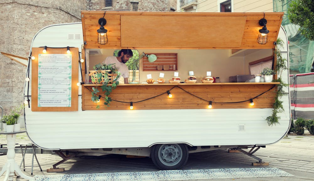 Using a food truck for catering to save money on a wedding
