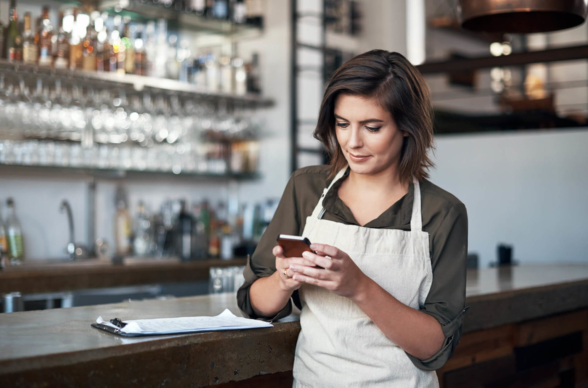 budgeting when you work for tips: server tracking expenses with app