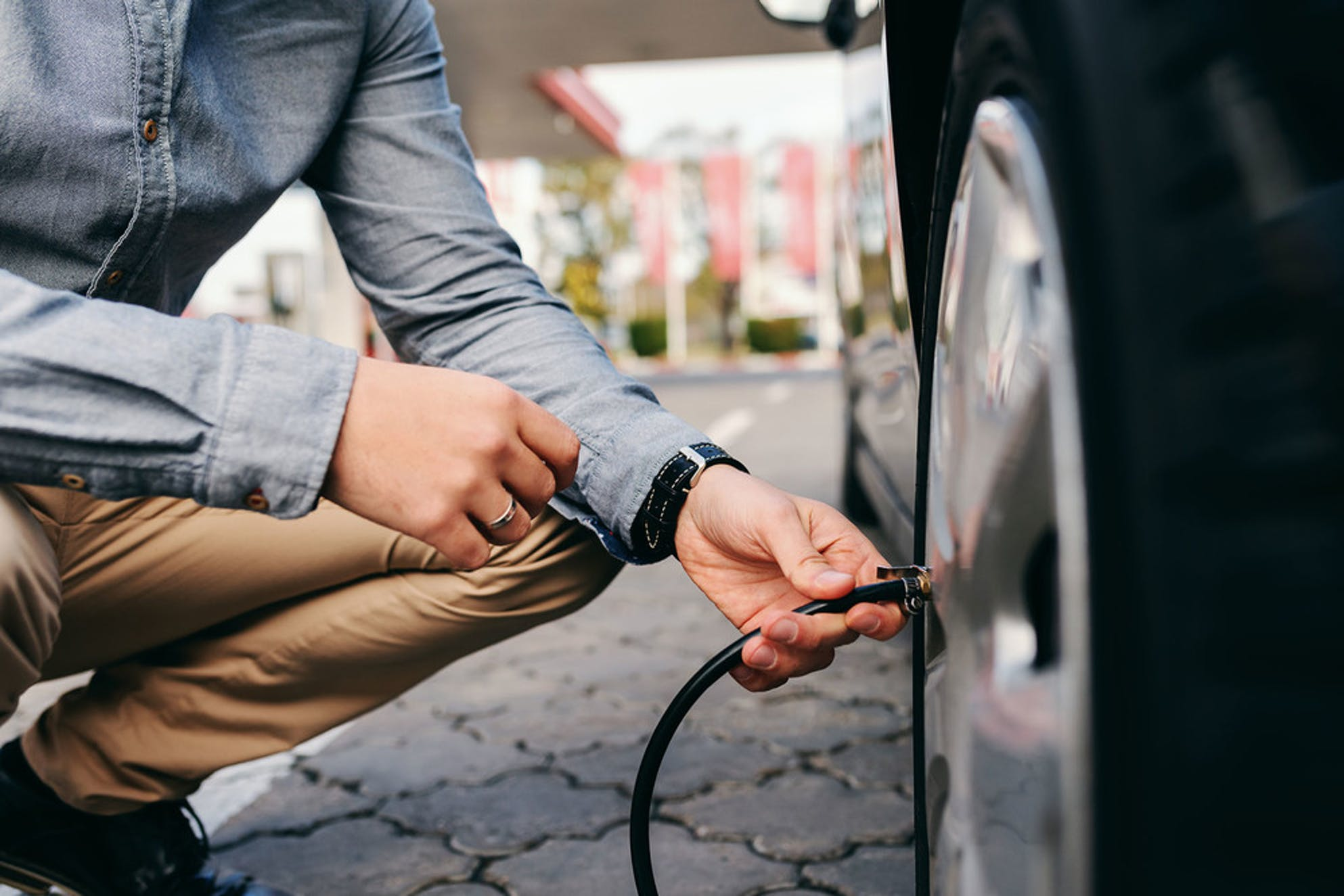 Inflating tire pressure to save money on gas