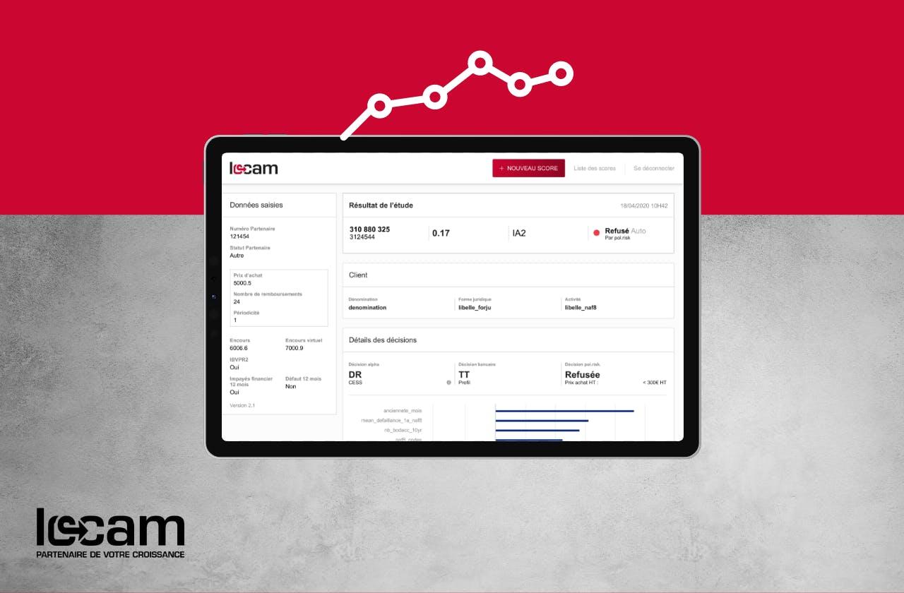 Extrait de l'outil de calcul du score de financement de Locam présenté dans une tablette.
