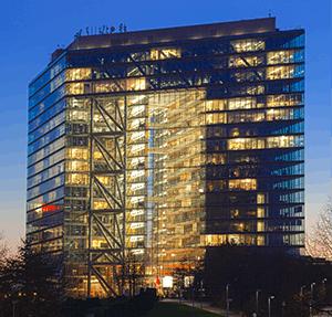 Das Stadttor im Medienhafen Düsseldorf