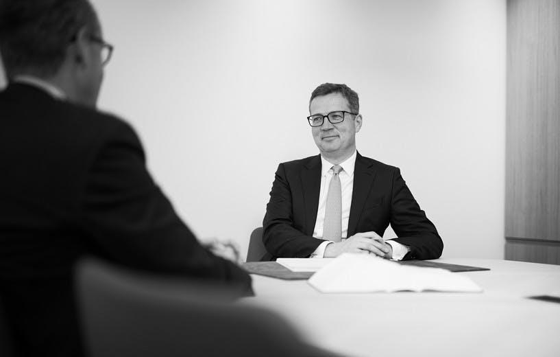 Notar Dr. Markus Riemenschneider im Gespräch
