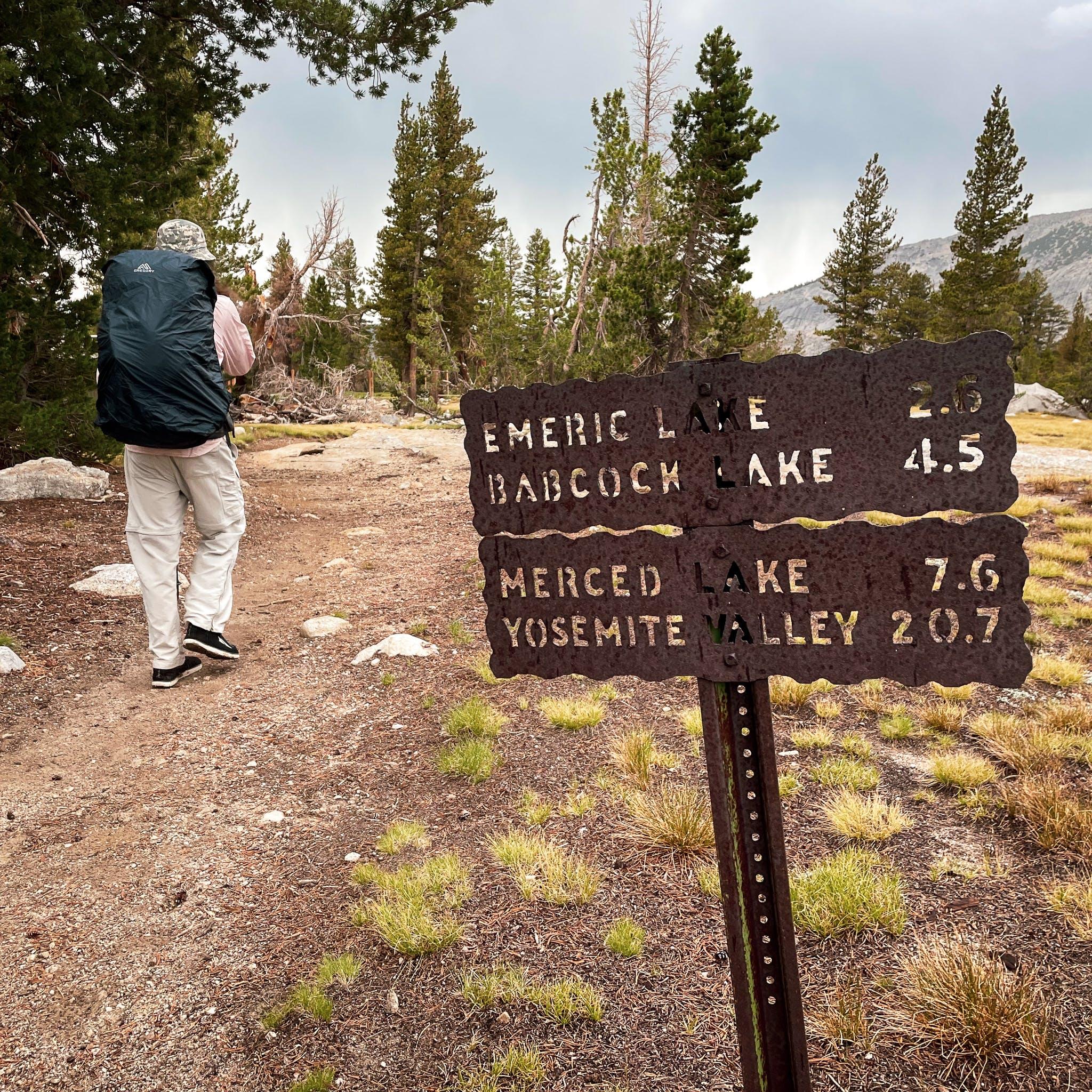 trail sign in Yosemite High Sierra