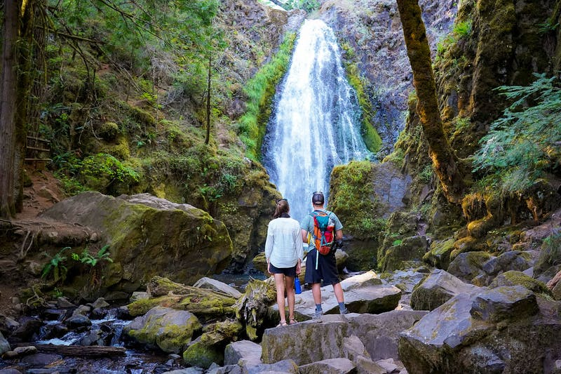 Hike to Susan Creeks Falls Off of Oregon's Highway of Waterfalls