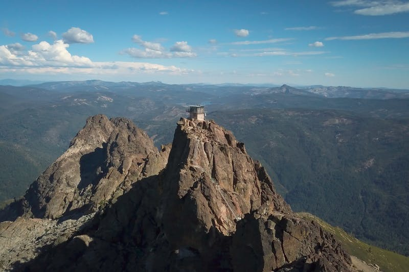 Hike to the Sierra Buttes Fire Lookout in the Lakes Basin