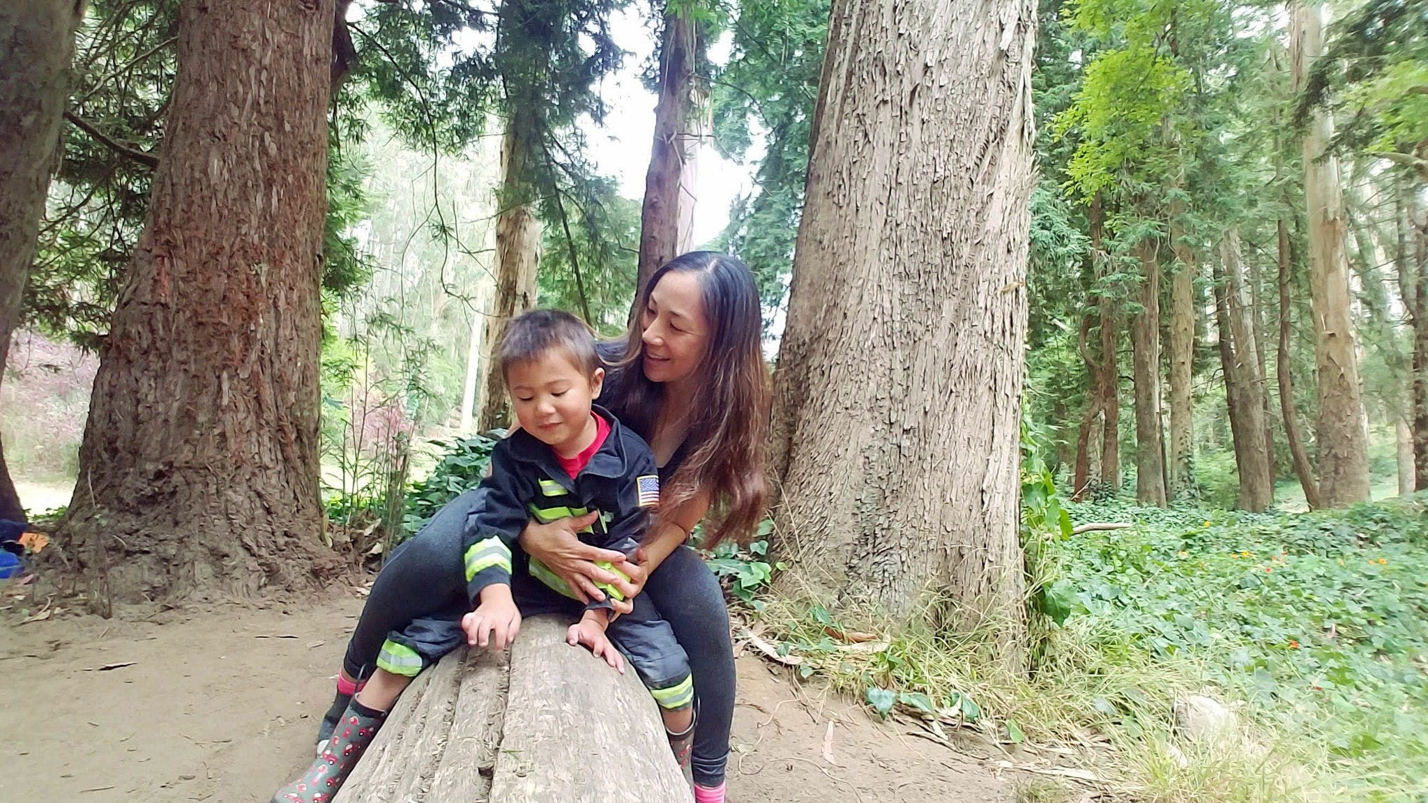 Woman and her child in Stern Grove in San Francisco