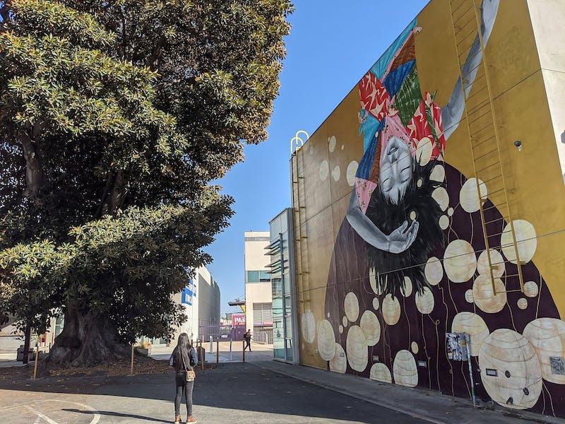 Urban art and food hike in Los Angeles