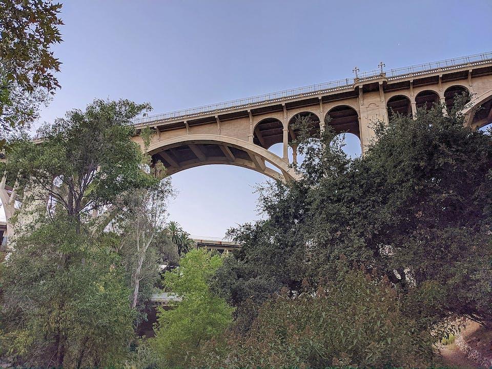 Hike to the Colorado Bridge in Pasadena