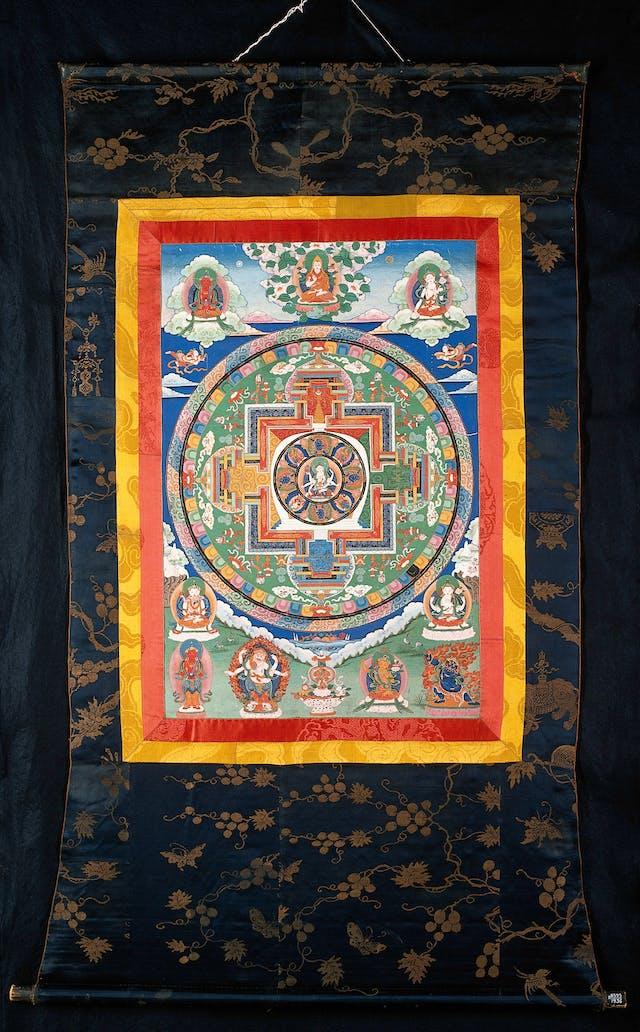 A buddhist mandala gouache painting depicting eight-handed goddess Usnisavijaya.