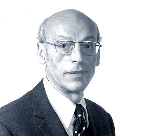 Portrait photograph of Kurt Freund.