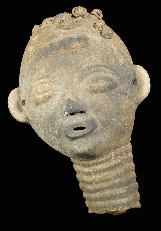 Image of sculpted memorial head from Ghana