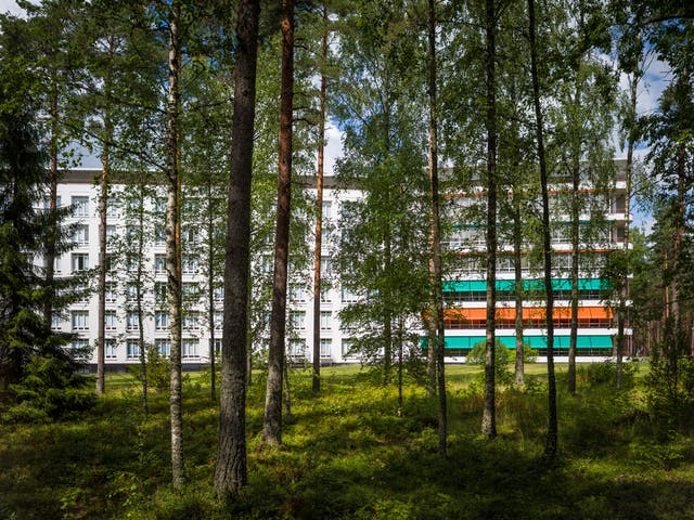 Photograph of the Paimio Sanatorium, former tuberculosis sanatorium designed by Finnish architect Alvar Aalto in 1933.