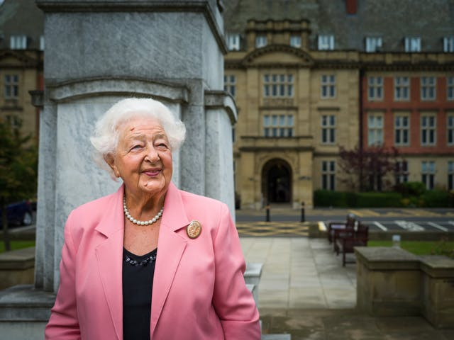 Photographic portrait of Ethel Armstrong outside the Royal Victoria Infirmary, Newcastle upon Tyne