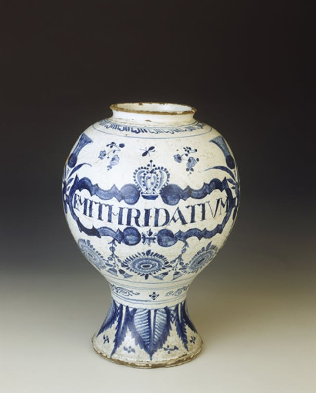 Display jar for mithridatium